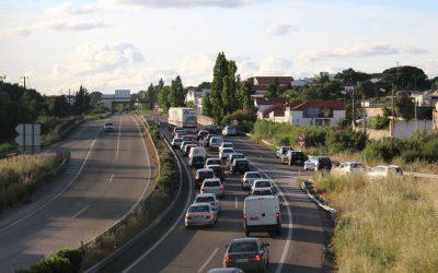 Motociclistas feridos com gravidade em acidente na Rua O