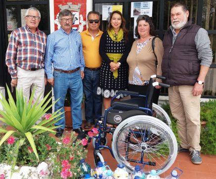Comissão Social de Freguesia de São Vicente do Paúl e Vale de Figueira entrega cadeira de rodas