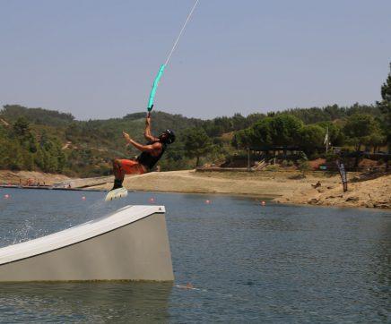 Verão na Albugeira do Castelo de Bode com muitas experiências no desporto náutico