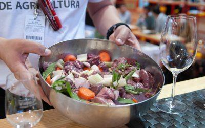 A qualidade e o sabor únicos da carne selvagem dada a provar na FNA