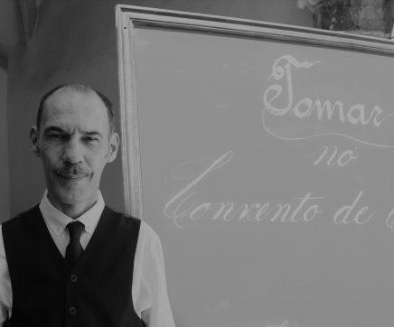 Professor que ajudou a criar a escola da Linhaceira deu uma aula no Convento de Cristo