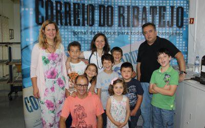 Crianças da 'ZenKids Academia' visitaram o Correio do Ribatejo