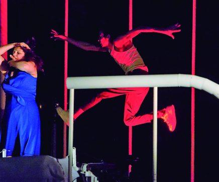 Verão In Santarém traz 'InSomnio', teatro de rua esta noite no Jardim das Portas do Sol