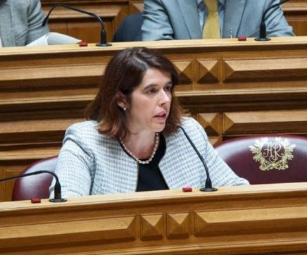 Patrícia Fonseca quer saber quando estará resolvida situação dos elevadores do Hospital de Santarém