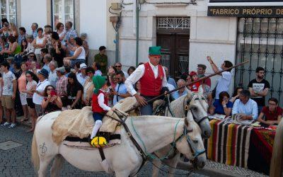 Cortejo histórico e etnográfico enche ruas de Coruche em dia de feriado municipal