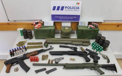 Homem de 26 anos detido por posse ilegal de armas