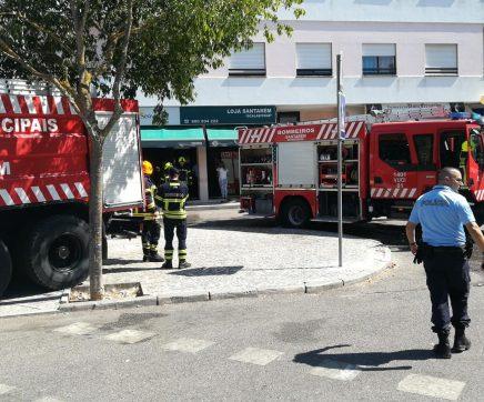 Última Hora: Incêndio em agência funerária junto ao hospital de Santarém