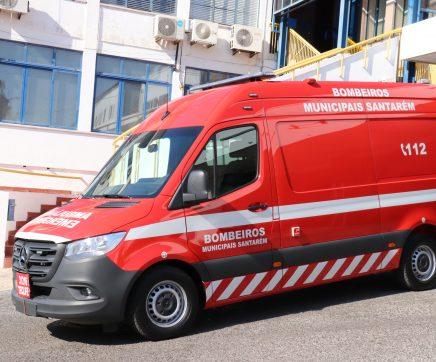 Municipais de Santarém pioneiros na aquisição de ambulância para assistência técnico-sanitária