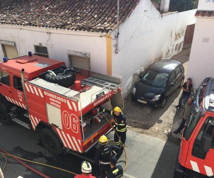 Queimada descontrolada obrigou à intervenção dos bombeiros em Alcanhões