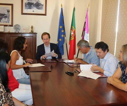Município do Cartaxo avança com protocolo para actividades de apoio à família
