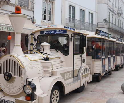 Comboio de Natal gratuito circula em Santarém até ao final do ano
