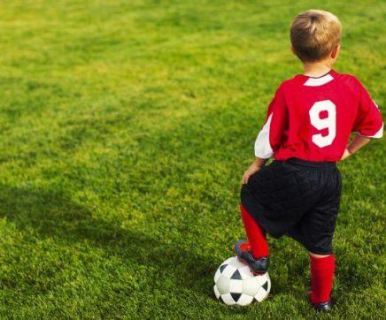 Associação de Futebol distingue atletas com bons resultados escolares