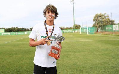 Daniel Bragança renova com cláusula milionária pelo Sporting