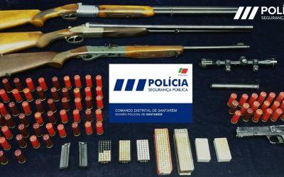 Homem detido por posse ilegal de arma e violência doméstica