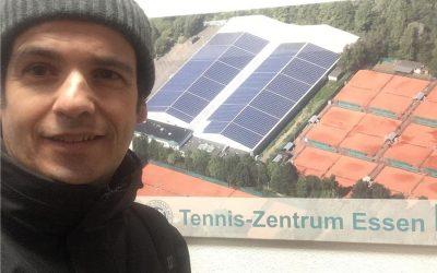 Tenista de Almeirim cede nos oitavos-de-final na estreia internacional