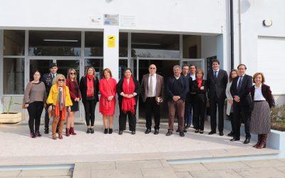 Secretária de Estado Adjunta e da Educação assume compromisso para renovar escola de Marinhais