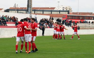 Coruchense cada vez mais líder no campeonato depois do Amiense travar U. Santarém