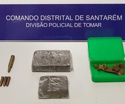 Jovem de 23 anos detido por posse de droga e munições