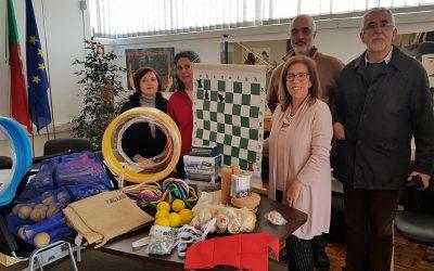 Kits de jogos tradicionais e xadrez para alunos do 1º ciclo e jardim de infância