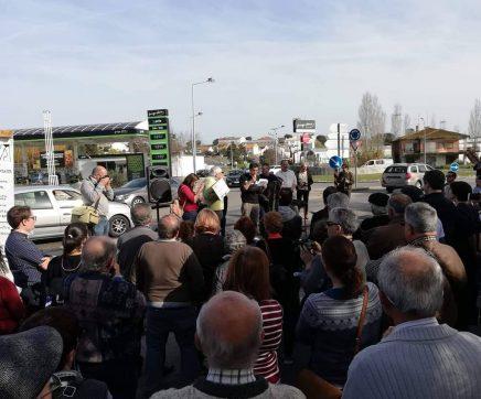 Centenas de pessoas protestam em Torres Novas contra poluição na Ribeira da Boa Água