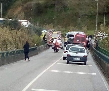 Acidente provoca cinco feridos na Ponte da Asseca