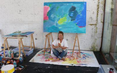 Edifício Equuspolis recebe exposição de pintura Mariola Landowska