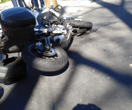 Choque entre carro e moto provoca dois feridos na EN 118