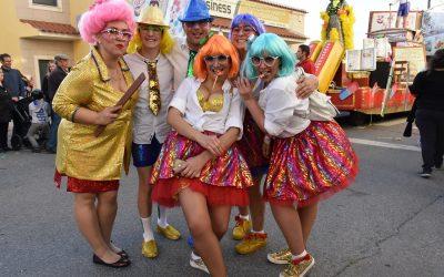 12 carros alegóricos e milhares de foliões no Carnaval de Samora Correia (C/FOTOGALERIA)