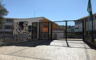 """CDS recomenda """"rápida remoção"""" do amianto da escola Ginestal Machado"""