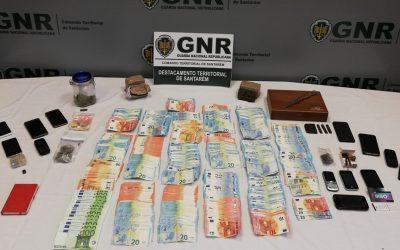 Oito detidos pela GNR por crime de tráfico de droga em Pontével, Póvoa da Isenta e Aveiras