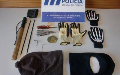 Jovem de 17 anos detido por tentativa de furto