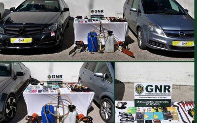 Dois detidos por dezenas de furtos de máquinas de tabaco na região de Santarém