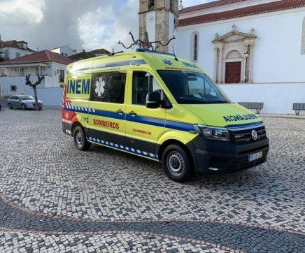 Bombeiros de Azambuja com nova ambulância de socorro