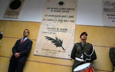 VÍDEO | Escola Sá da Bandeira presta homenagem a dois antigos alunos que morreram na I Guerra Mundial