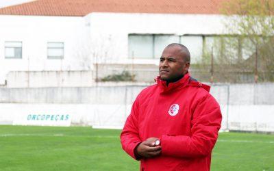 Mário Ruas já não é treinador da União de Santarém