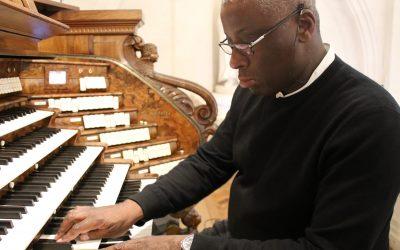 Wayne Marshall grava novo trabalho no órgão de tubos de Fátima