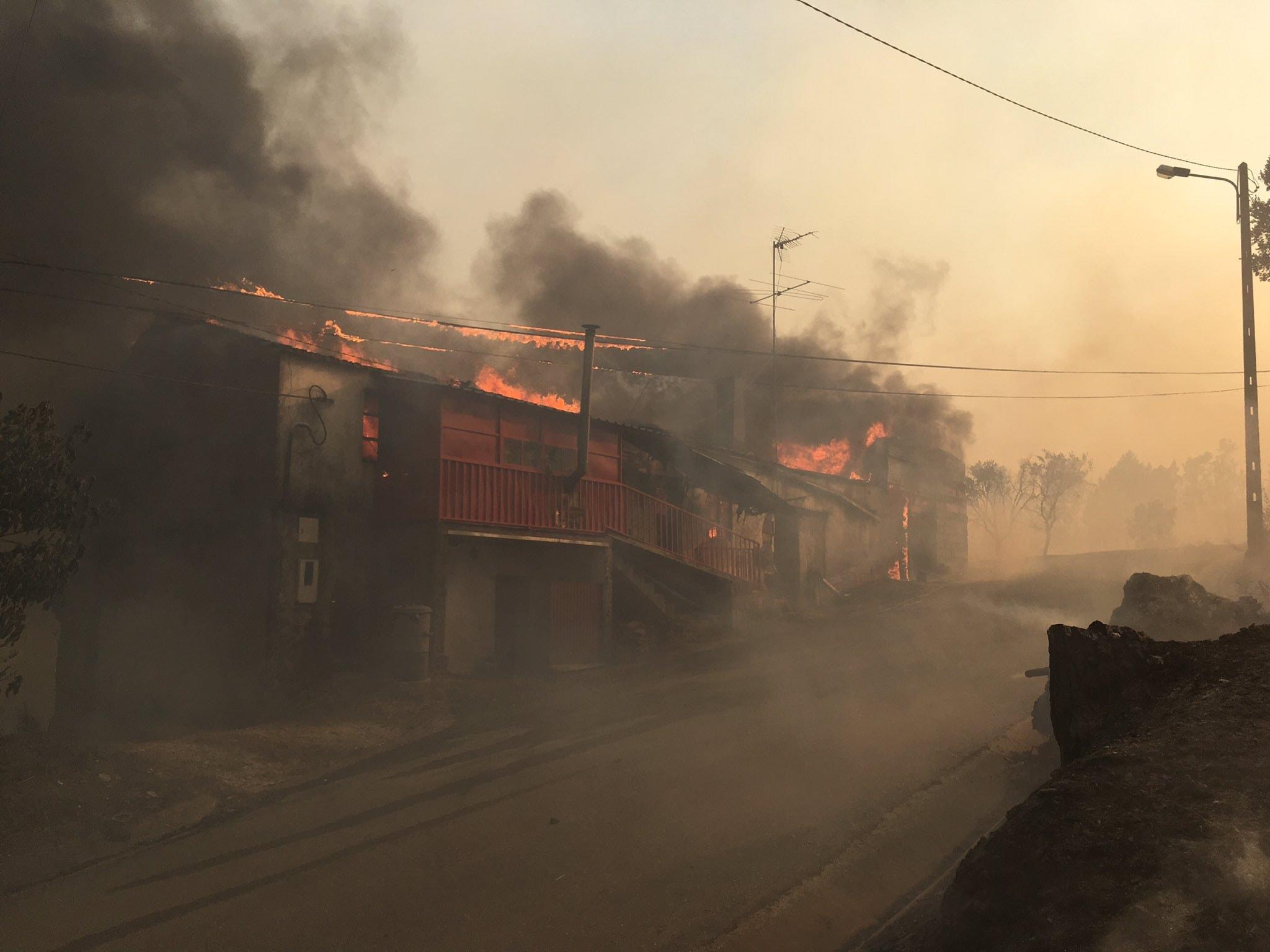 Duas casas destruídas pela chamas em Mação