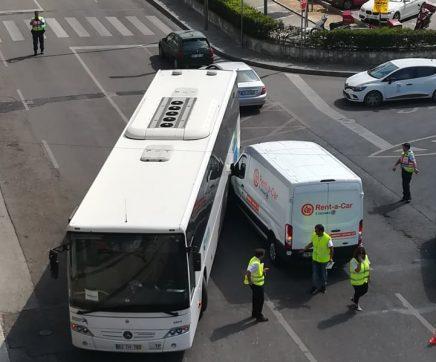 Acidente com autocarro em Santarém provoca constrangimentos no trânsito