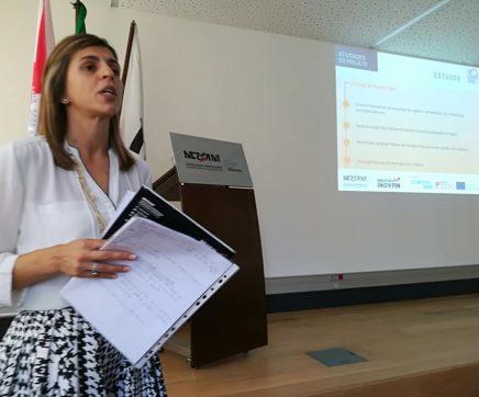 Casa cheia na Startup Ourém para apreender conceitos básicos de finanças
