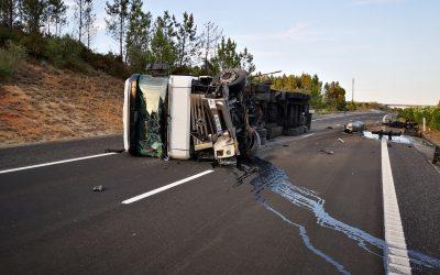 ÚLTIMA HORA: Camião tomba na A15 e provoca um ferido
