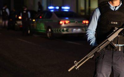 Dois detidos por desobediência e agressão a militares da GNR