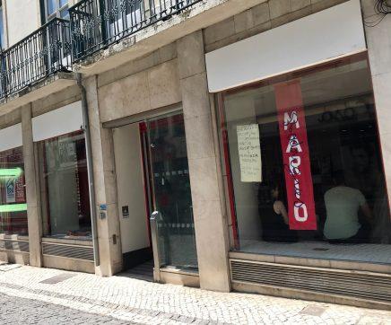 """Lojas devolutas do centro histórico de Santarém tornam-se """"Galerias com arte"""""""