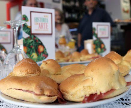 Pombinhas estão de volta aos cafés e pastelarias de Santarém