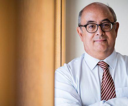 Ex-ministro Azeredo Lopes e outros 22 arguidos vão a julgamento no caso Tancos