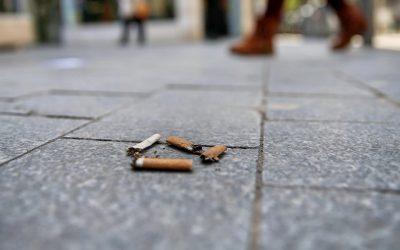 Lei que pune com coimas atirar beatas para o chão publicada hoje
