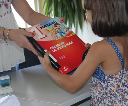 Cartaxo apoia 350 alunos do concelho com oferta de fichas de estudo