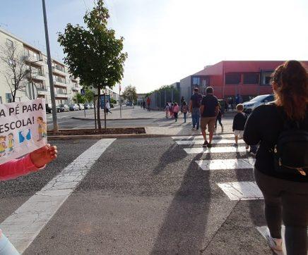 Trezentos alunos foram a pé para a escola no Entroncamento