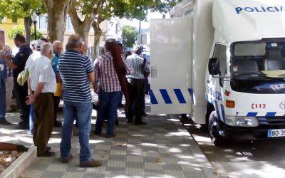 PSP esclarece dúvidas sobre armas e explosivos em viatura itinerante