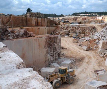 Empresários da Polónia querem importar pedra do Ribatejo