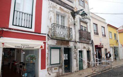 Rua do Centro Histórico de Santarém interdita devido a perigo de derrocada